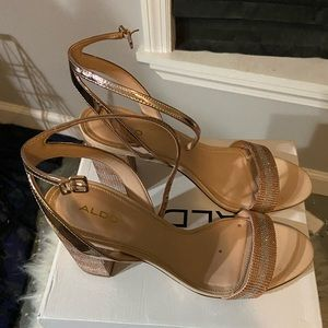ALDO Strappy Rose Gold/Pink Sparkle heels Size 11